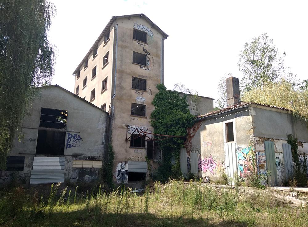 Urbex d'un village et usine à l'abandon en Vendée